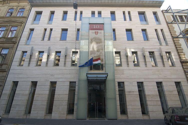 A jogállamiság értelmezésével-alkalmazásával kapcsolatos aktuális problémák a magyar társadalomban-gazdaságban – Budapest